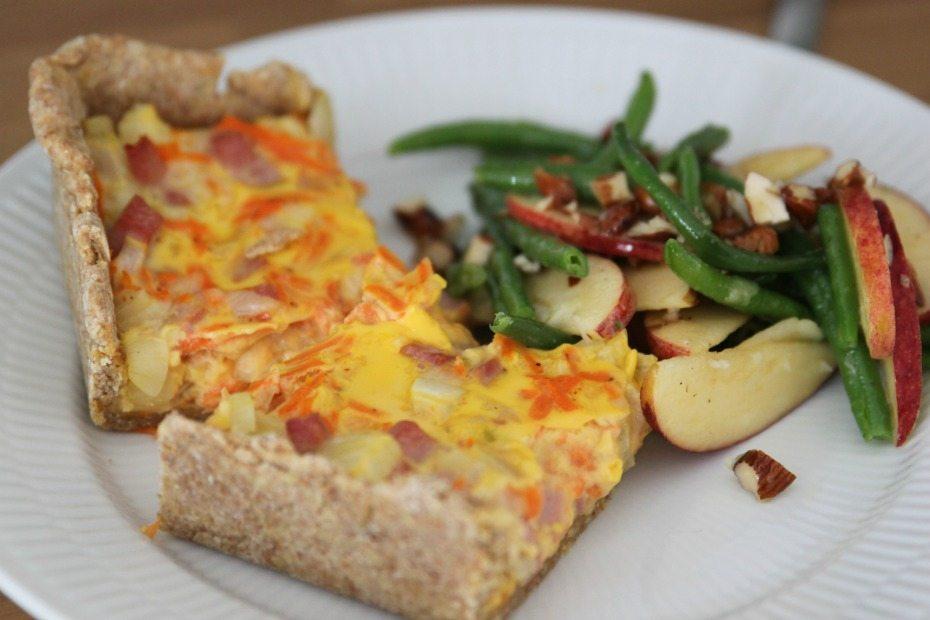 Opskrift: Gulerodstærte med sprød salat 1