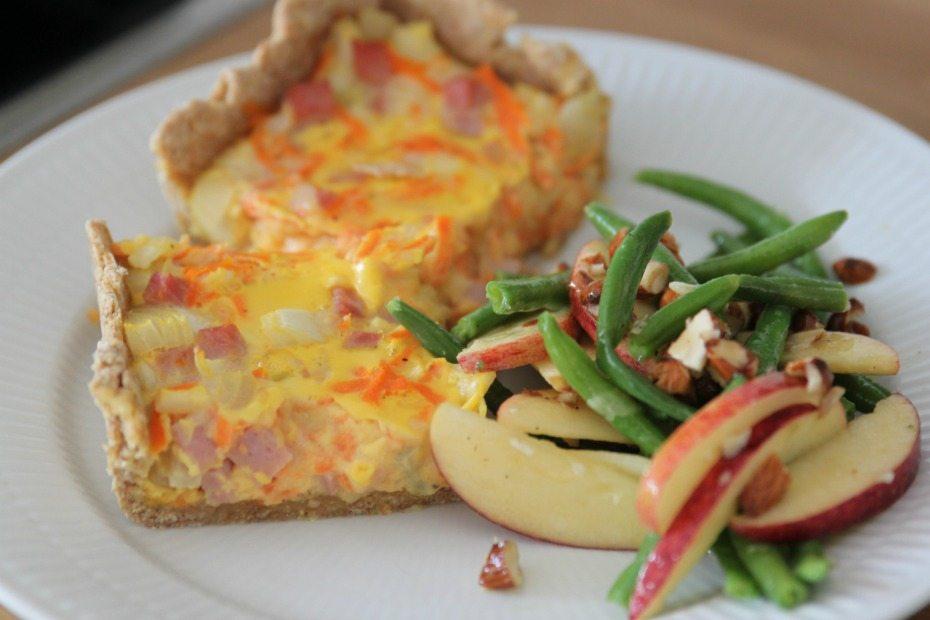 Opskrift: Gulerodstærte med sprød salat 3