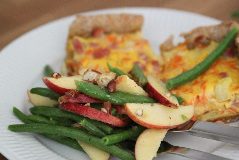 Opskrift: Gulerodstærte med sprød salat 5