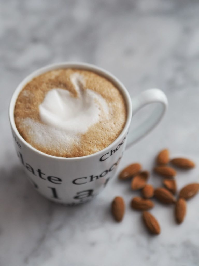 Opskrift Mandel latte
