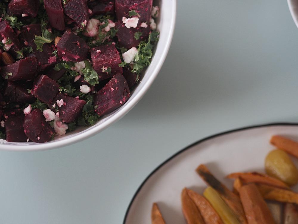 Rødbedesalat med feta, grønkål og mandler: Den skønneste vintersalat 3