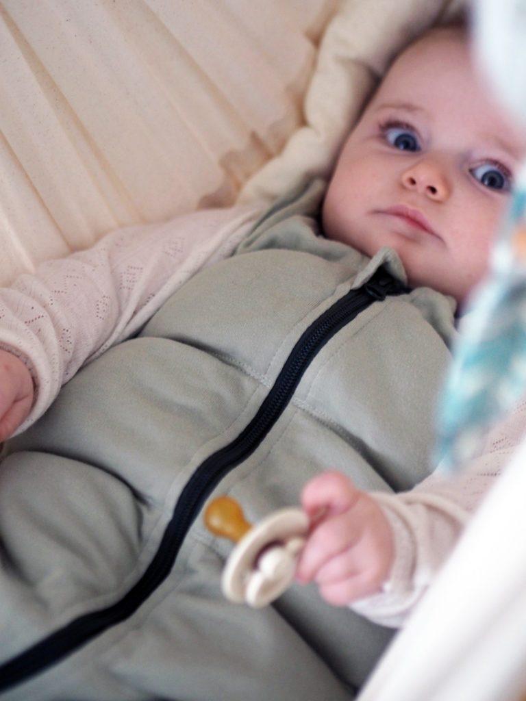 Tyngdepose og babysøvn.. 12