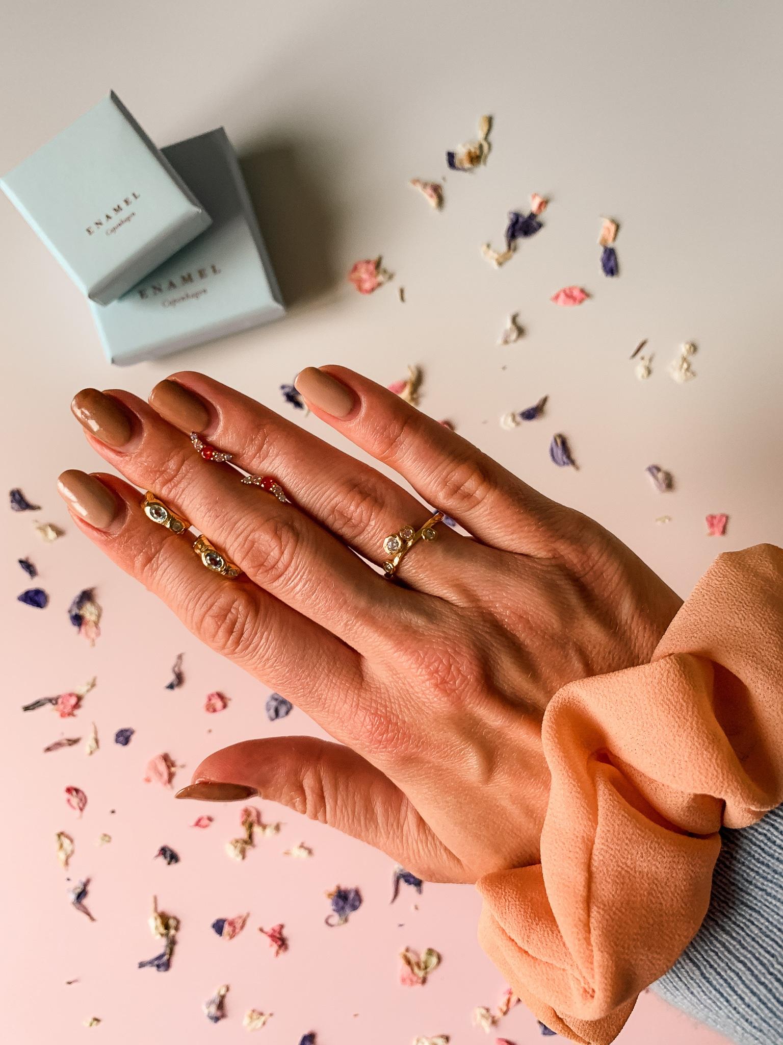 Shellac negle og Enamel Copenhagen smykker